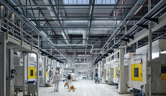 LED industrial and high-bay lighting - Zumtobel