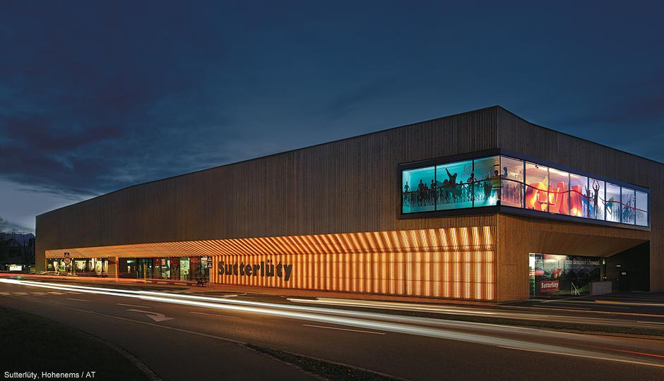 Iluminaci n led de fachadas y arquitectura zumtobel - Fachadas arquitectura ...