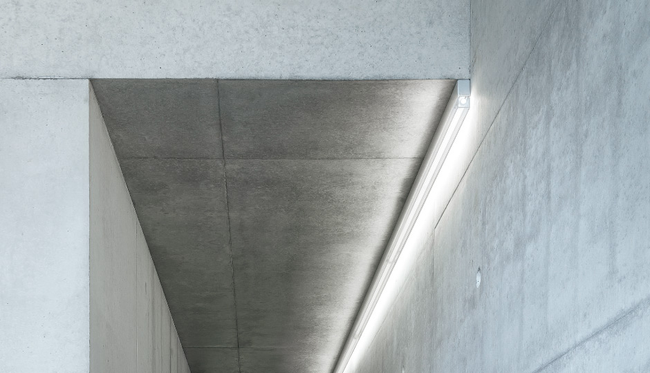 Linaria Individual Batten Luminaire And Light Line Zumtobel