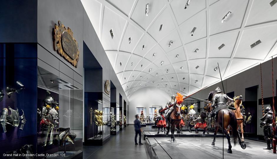 Illuminazione di musei faretti led arcos zumtobel