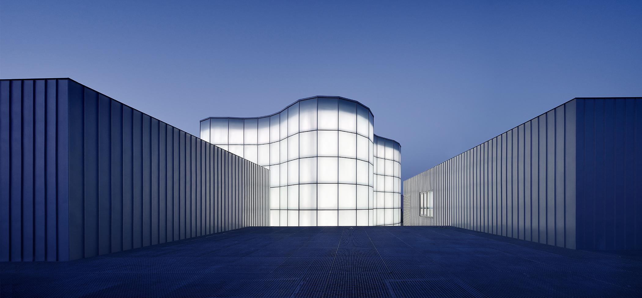 33891 33891 33891 & Innovative LED lighting solutions and lighting management - Zumtobel